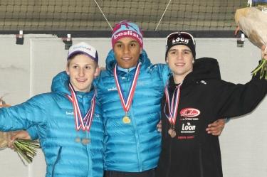 Daidai Ntab (midden) na de huldiging van het NK Pure Sprint (foto Henk Haans)