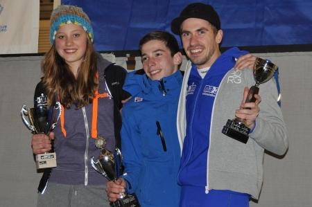 """De winnaars van de """"Van Dam Bokalen"""" v.l.n.r. Merel Bertens, Marijn van Esch en Menno Haans"""