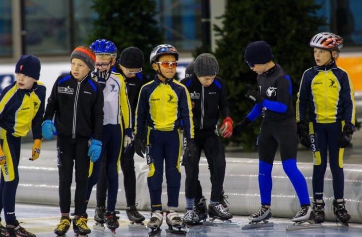 Een deel van de deelnemers bij de Pupillen-B aan de start (foto Jeroen Happel)