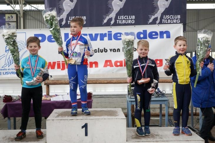 Gijs van der Linden (links) op het podium (foto Jeroen Happel)